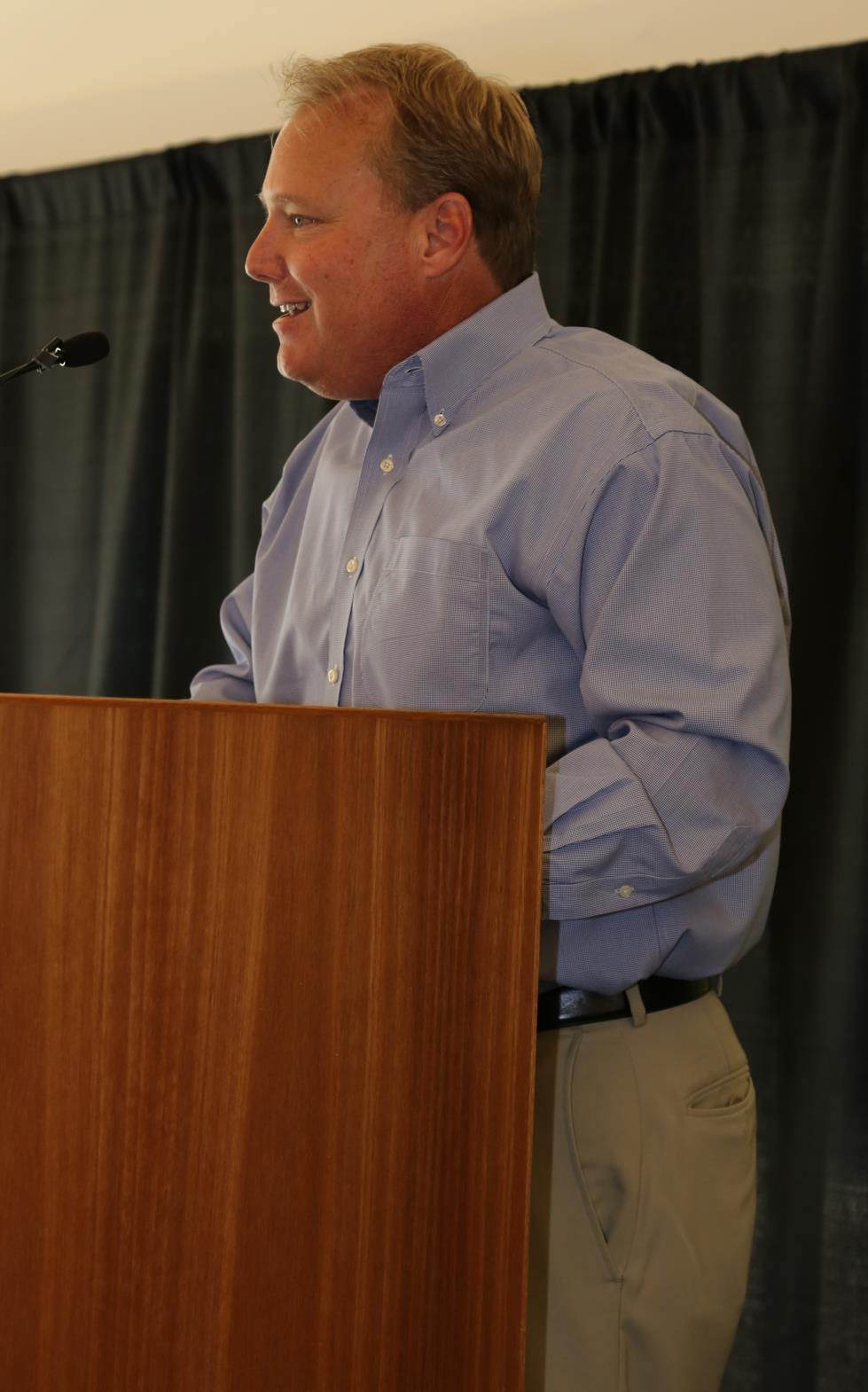 mayor at podium